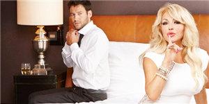 Ältere frauen junge männer dating